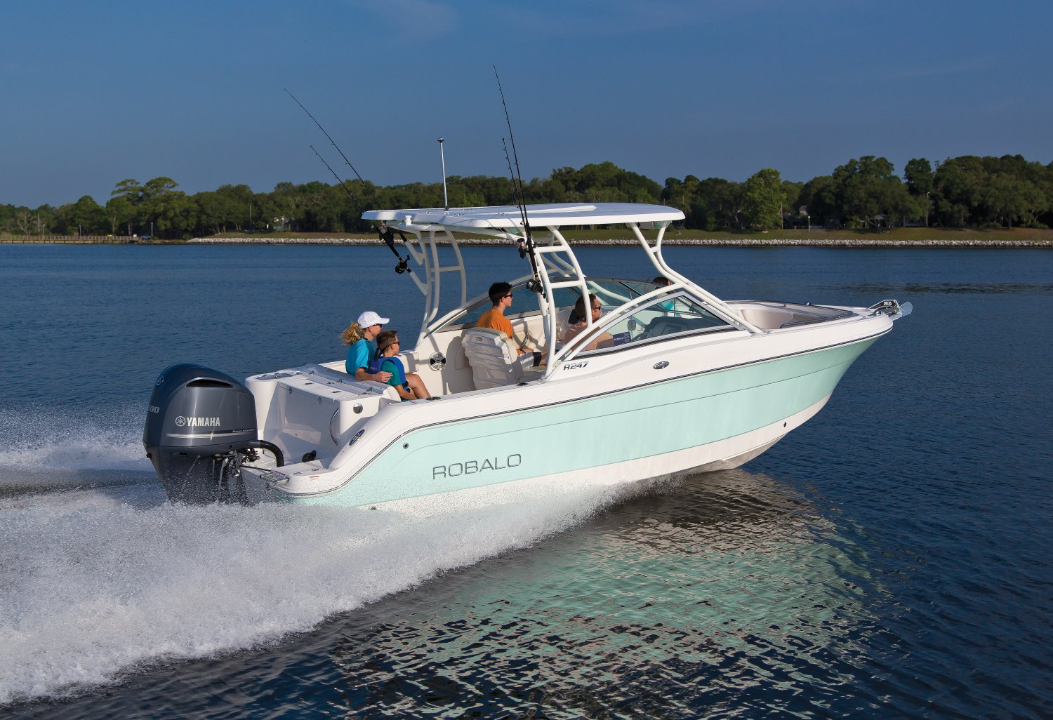 2020 Robalo R247 Dual Console Seattle Watersports